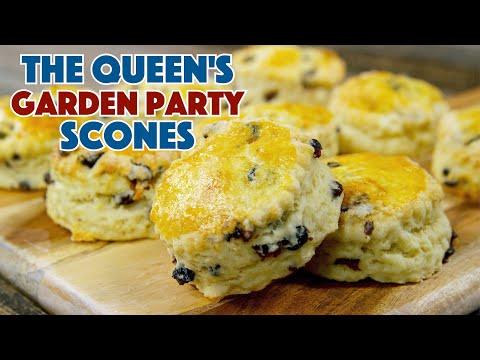 👑  Queen Elizabeth's Garden Party Scones Recipe