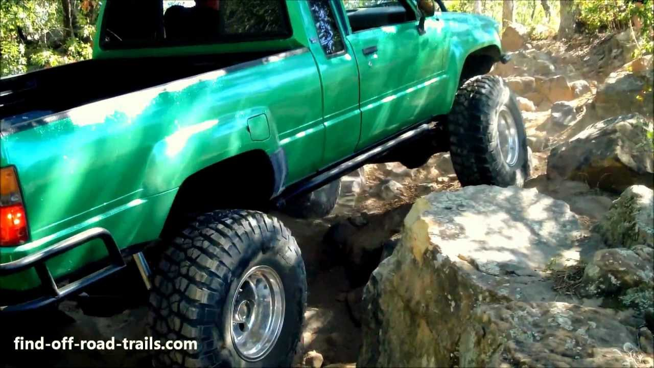Badass Toyota Rockcrawler On 35 S And Solid Axles 22r