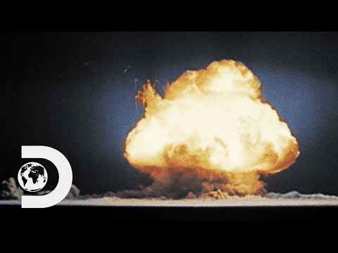 Atomic Bomb Wipes Out Hiroshima In A Matter Of Seconds |  Greatest Events Of World War 2 In Colour