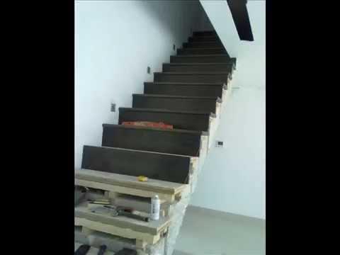 Instalacion de parquet en escaleras youtube for Escaleras de parquet