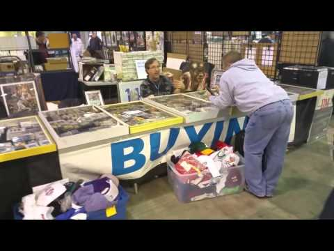 View from the Fanatics Chicago Sports Card Show RBI Style vid
