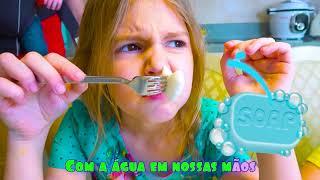 Lave suas mãos | Canções Infantis Em Português | Cinco Crianças