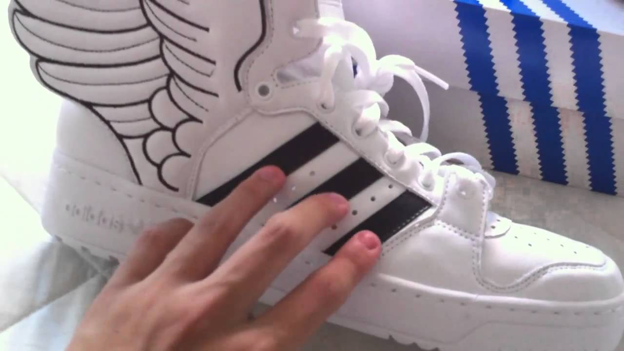 Gran roble Revolucionario Prefijo  Unboxing of the ALL NEW Adidas Jeremy Scott Wings shoe 2.0 - YouTube