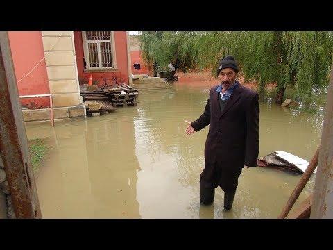 Binəqədi su altında qaldı: Sakinlər çarəsiz durumda
