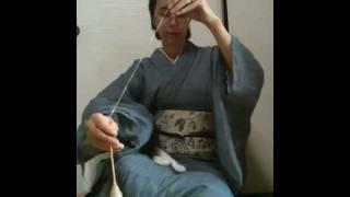 スピンドルで和綿糸紡ぎ