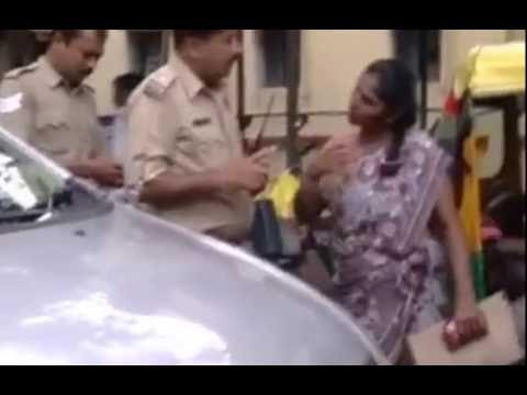 Uganda Lady Fighting in Bangalore Police