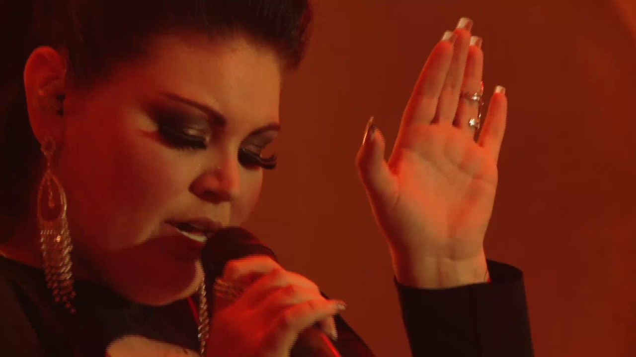 Sky Room Live Part - 30: Corlea Botha - Rolling In The Deep (Skyroom Live)