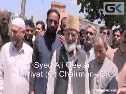 Geelani, Mirwaiz stopped from leading 'Dargah chalo', detained