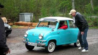 Driving a Goggomobil T 400 blindfolded