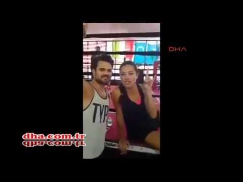 Adriana Lima ve BozKurt işareti, boksörlerimizle