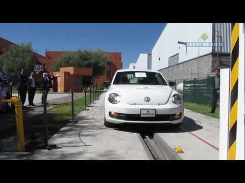 Low Speed Crash Test 2012 VW New Beetle