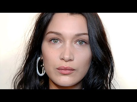 Bella Hadid Reacts To The Fyre Festival Disaster Mp3
