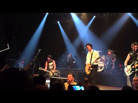 Green Day And Tim Armstrong - Radio (The House Of Blues 2015)