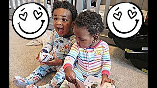 JAXSON AND JAYLA ARE LEARNING SIGN LANGUAGE! 👶🏽👶🏾😍😍 thumbnail