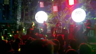 "Raphael Saadiq ""Heart Attack"" Live at The Annenberg"