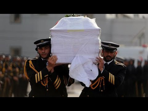 تشييع جثمان الأكاديمي الفلسطيني فادي البطش في غزة  - نشر قبل 2 ساعة