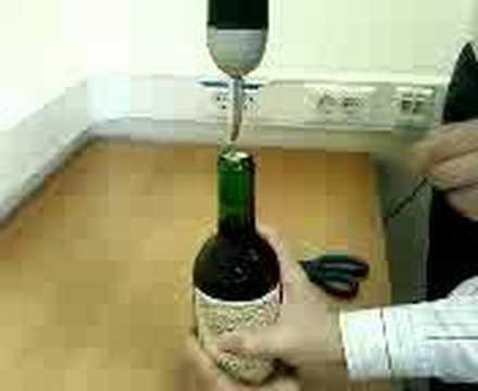 Как открыть бутылку вина с помощью шуруповерта