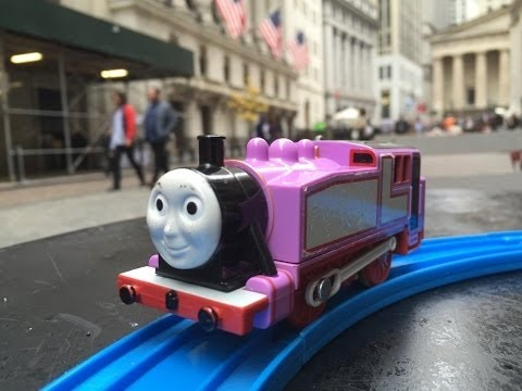 Rosie visit Wall Street NYSE, New York【Thomas and Friends】02093 en