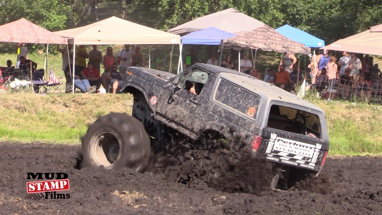 FORD BRONCO- PERKINS MUD BOG