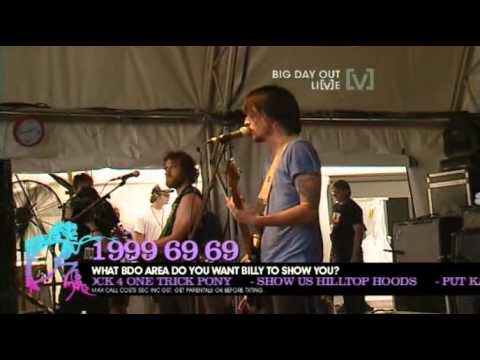 Kisschasy - Opinions Wont Keep You Warm At Night (Big Day Out 2010)