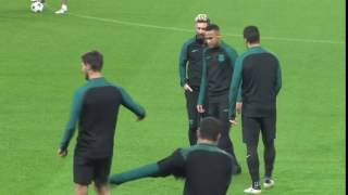 vuclip Neymar Jr Gets Angry At Suarez During Training For Manchester City Game