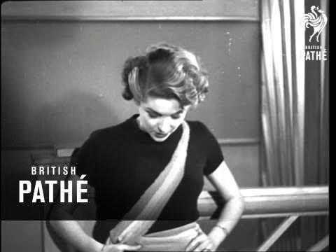 Paris Modes - Aka Coats Cotton Film (1930)