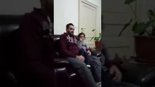 ماشاءالله تبارك الله طفلة تصحح لابيها اخطاءه في قراءة القرآن