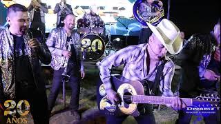 Los Cuates De Sinaloa - Me Gusta Tener De A Dos Ft. Banda La Llegadora (Videos En Vivo)