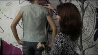 Как проводить первую примерку рубашки, блузки(Это видео о том, как провести первую примерку рубашки - блузки после сметывания, на что обратить внимание..., 2010-09-26T10:55:48.000Z)