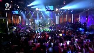 Hadise   Aşk Kaç Beden Giyer Beyaz Show 04 11 2011