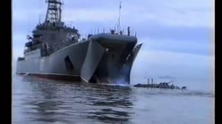 Морская пехота РФ. выход БТР-80 на плав из БДК. ТОФ