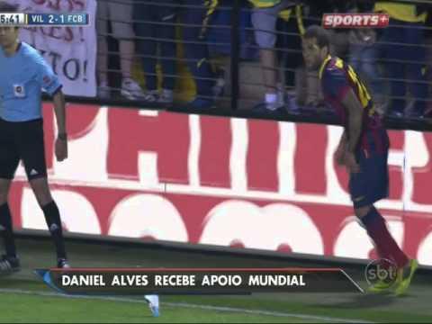 Daniel Alves é vítima de racismo e provoca reação no  mundo todo