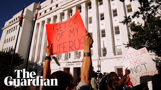 Alabama: Republican state passes near-total ban on abortion