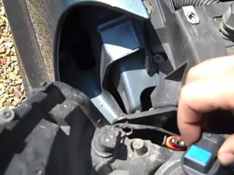 Ford Hid Headlights Wiring Diagram How To Change The Headlights In A 2006 Chevrolet Uplander