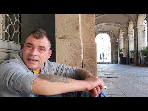 Związek Na Ulicy. Gdy Skończyła Się Kasa, Zostaliśmy Bezdomnymi W Barcelonie.