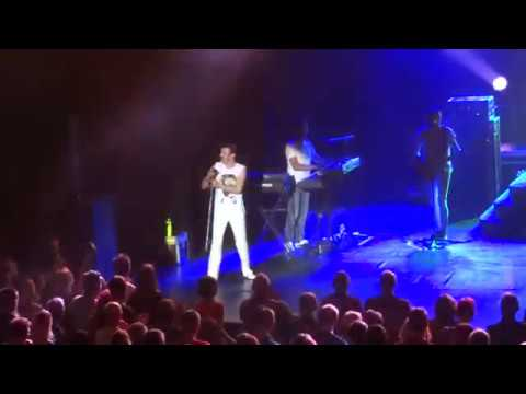 One Night Of Queen - Tie Your Mother Down - Lyon Bourse du Travail 16.10.2015
