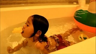 Baby Playing Toys in the BathTub Fun - Donna The Explorer thumbnail