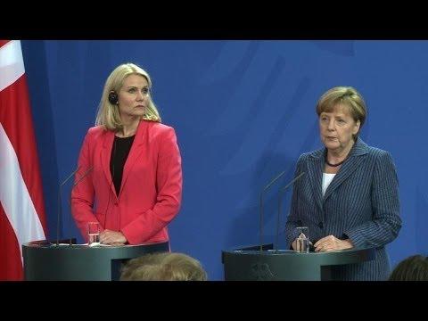 UE:Merkel soutient Juncker mais tend la main à la Grande-Bretagne