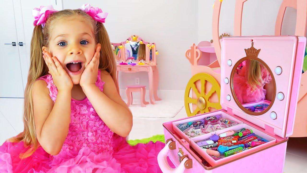 ديانا تتظاهر باللعب في صالون تجميل, الألعاب للفتيات