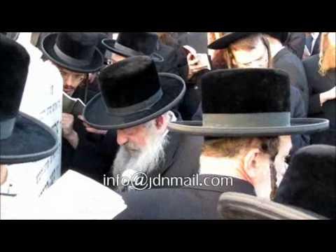 Erev Rosh Choidesh Sivan 5772 With Lelover Rebbe