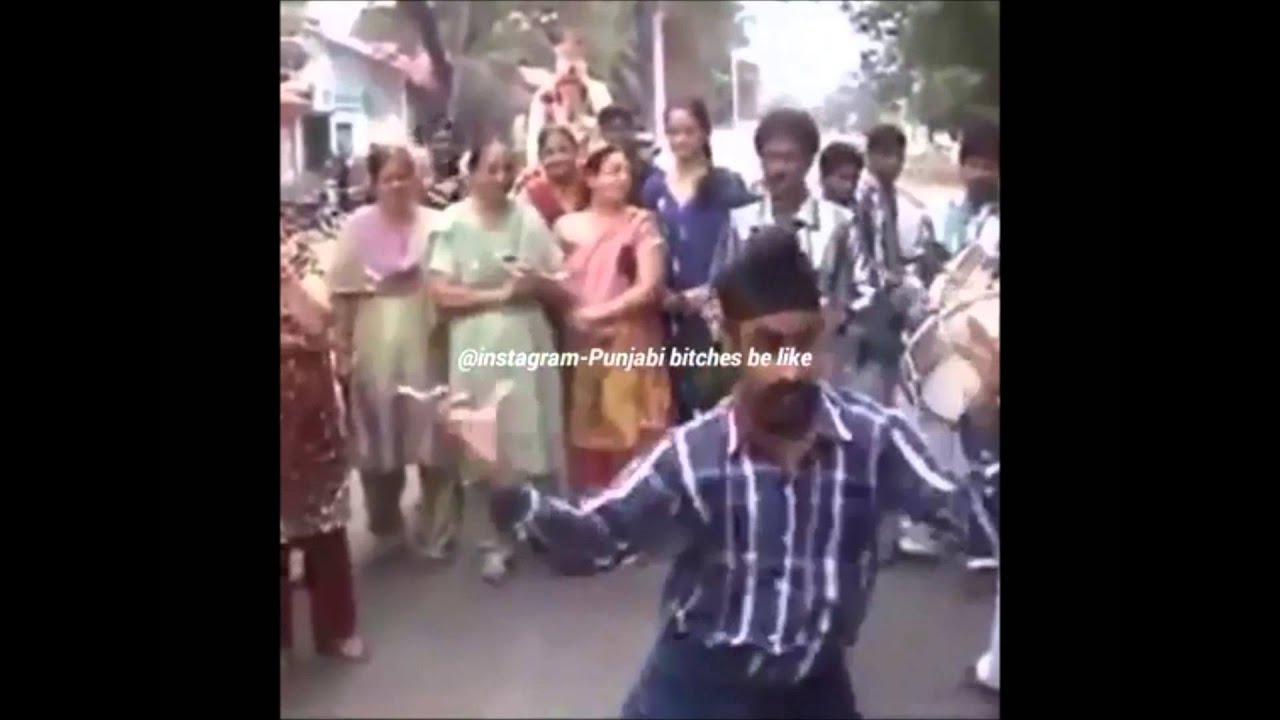Funny Bhangra by Shampy de daddi ji (Bhapa JI ) New video | Bhangra on  Punjabi Marriage
