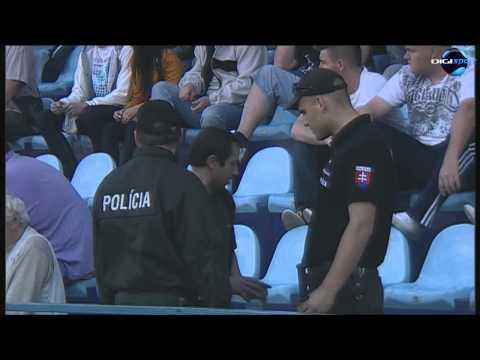 Incident v zápase Nitra - Spartak Trnava 3:3 - napadnutie trénera Vladimíra Ekhardta divákom