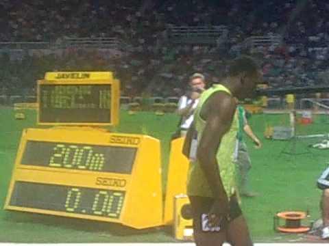usain bolt: most silly warm up, 200m, IAAF grand prix final thessaloniki