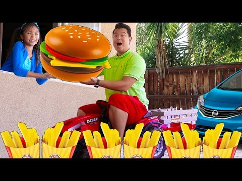 Wendy Pretend Play w/ Hamburger Drive Thru Restaurant Fast Food Toy Store