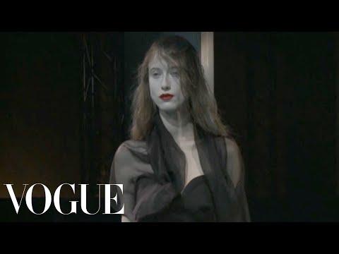 Yohji Yamamoto Ready to Wear Spring 2011 Vogue Fashion Week Runway Show