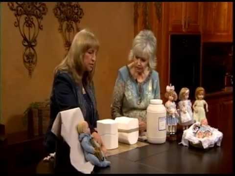 Великолепные фарфоровые куклы будут отличным подарком для девушек и женщин любого возраста. Они могут стать прекрасным декором любой комнаты.