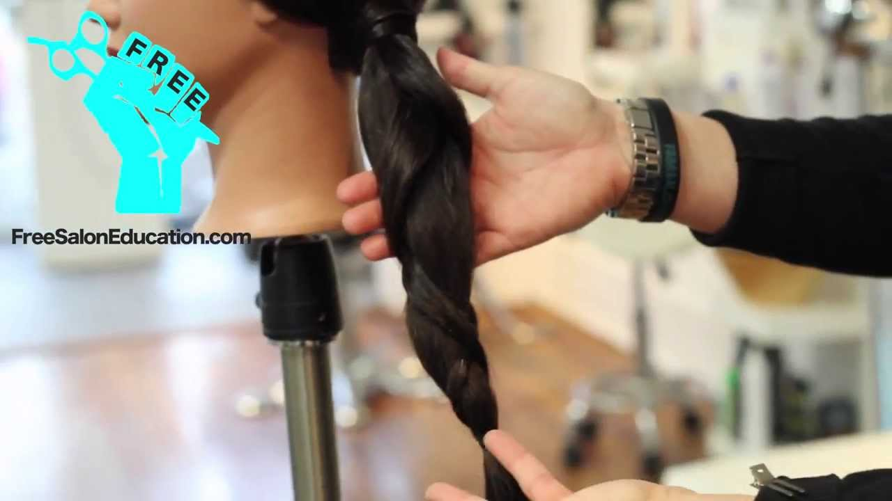 QUICK TIP OF THE WEEK - CREATIVE WAY TO STYLE A PONYTAIL