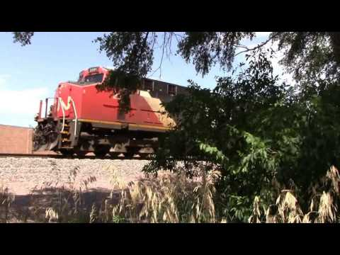 BNSF Action in Grand Island to Hazard,NE with CN 2291 with Leslie RS3L July 14,2016