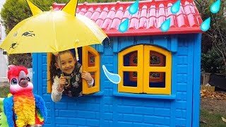 Öykü's Roof Flows Water, it's Raining - Funny Oyuncak Avı
