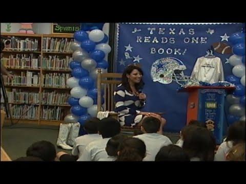 Former Dallas Cowboys Cheerleader visits schools to promote reading event